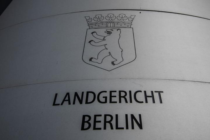 Der Polizist steht ab Dienstag vor dem Berliner Landgericht.