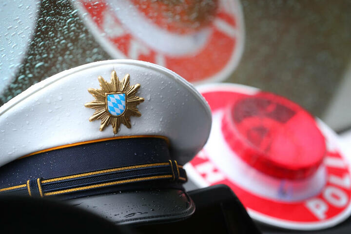 Ein Polizist soll im Münchner Umland mehrere Jugendliche missbraucht haben. (Symbolbild)