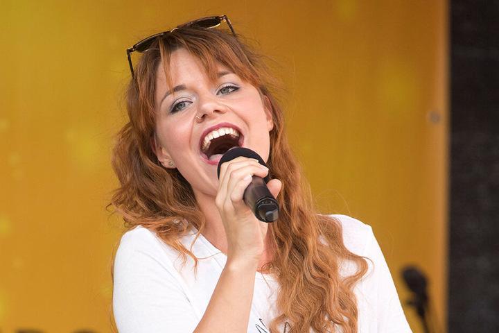 DSDS-Sternchen Lisa Wohlgemuth (27) soll zum Hexenfeuer für gute Stimmung sorgen.