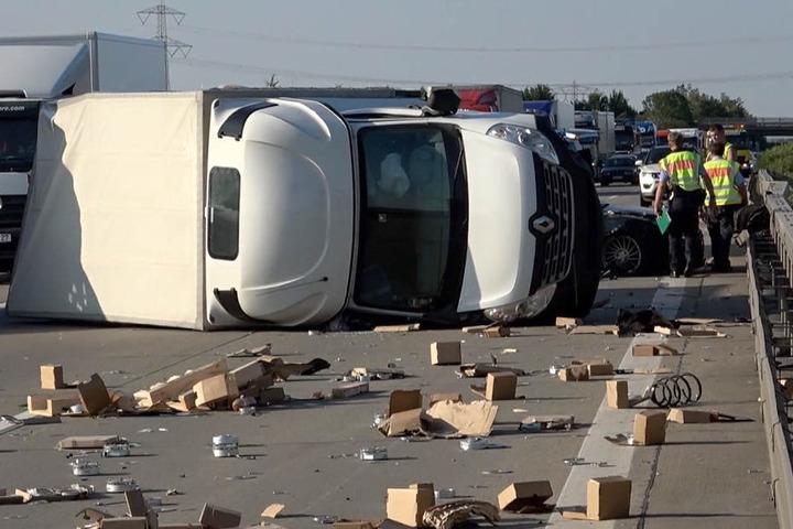 Die Autobahn musste stundenlang gesperrt werden.