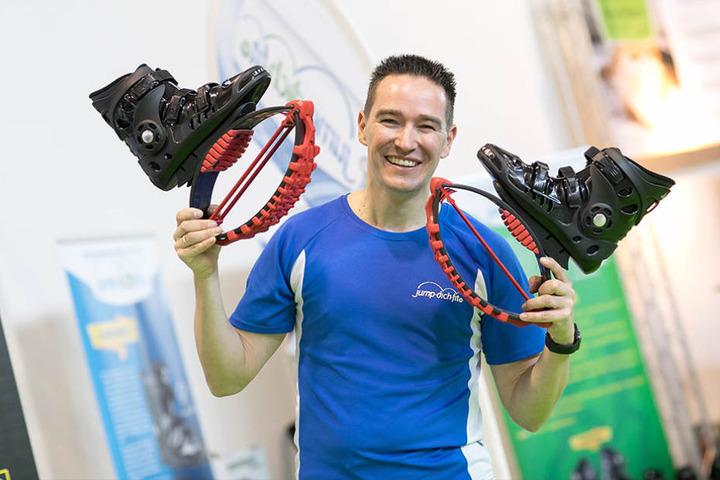 Sprechen beim Laufen viele Muskelgruppen gleichzeitig an:  Jump-dich-fit-Schuhe von Vertriebsleiter Marcus Jungnickel (38).