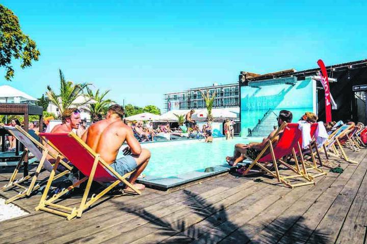 Letzte Pool-Saison für den Purobeach: Am Ende des Sommers muss alles abgebaut werden.