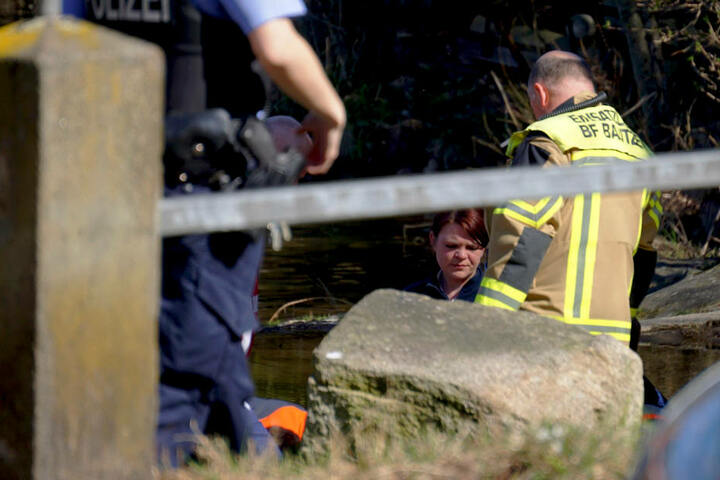 Die Berufsfeuerwehr Bautzen hatte die Leiche aus dem Wasser gefischt.