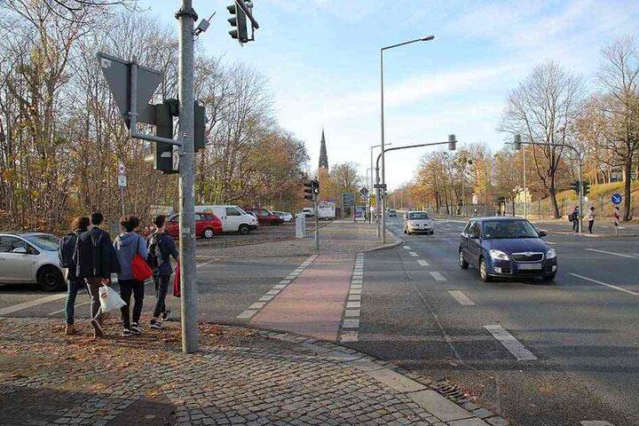 Eher die Ausnahme: Auf der Stauffenbergallee entschied sich die Stadt gegen Tempo 30. Foto: Ove Landgraf