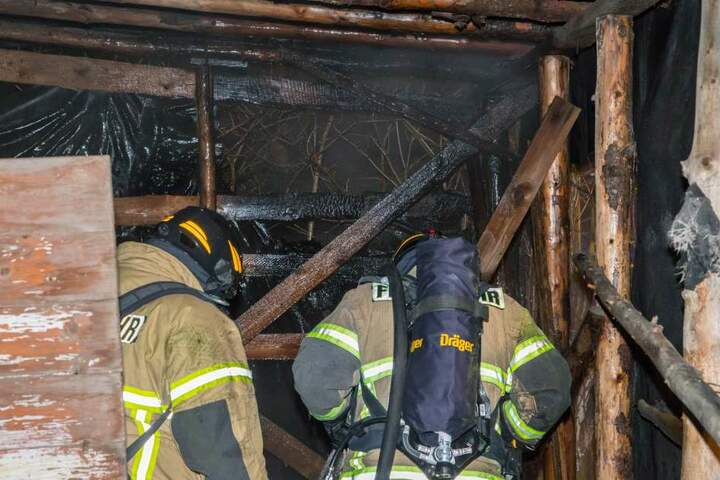 Den Schuppenbrand konnte die Feuerwehr schnell löschen.