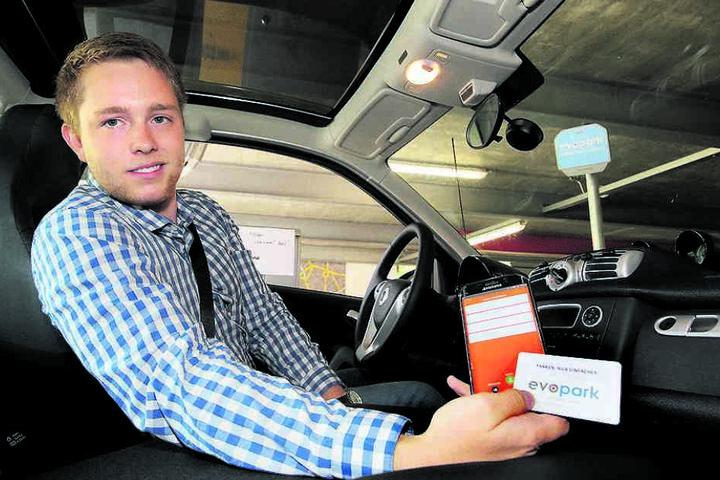Jonas Volmer (24) betreibt zusammen mit seinen Eltern das Parkhaus.