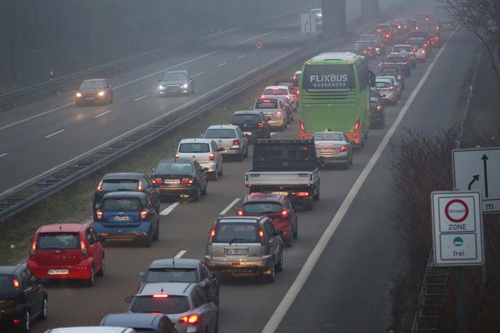 Auf der Strecke nach Düsseldorf stockte der Verkehr.