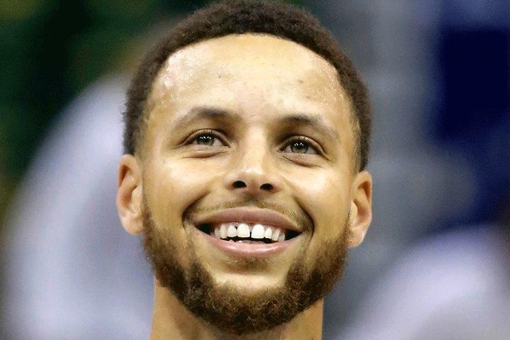 Wenn Zwei sich streiten, freut sich der Dritte: Ob Stephen Curry sich über LeBron James' Beistand gefreut hat?