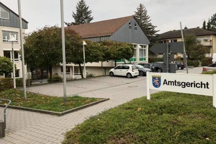 Der Mann muss sich vor dem Amtsgericht Bad Homburg verantworten. (Symbolbild)