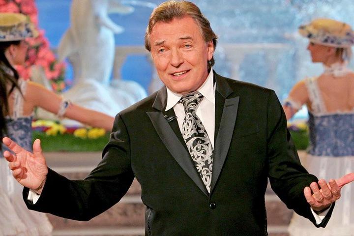 Karel Gott stand nach seiner schweren Krankheit erstmals wieder auf der Bühne.