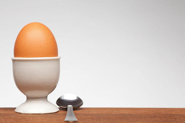 Der f-ei-ne Unterschied: In Ostdeutschland werden braune Eier gern gekauft, in Westdeutschland lieber weiße.