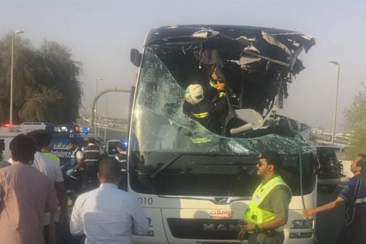 Auf Twitter kursieren weitere bilder des Unglücks-Busses.