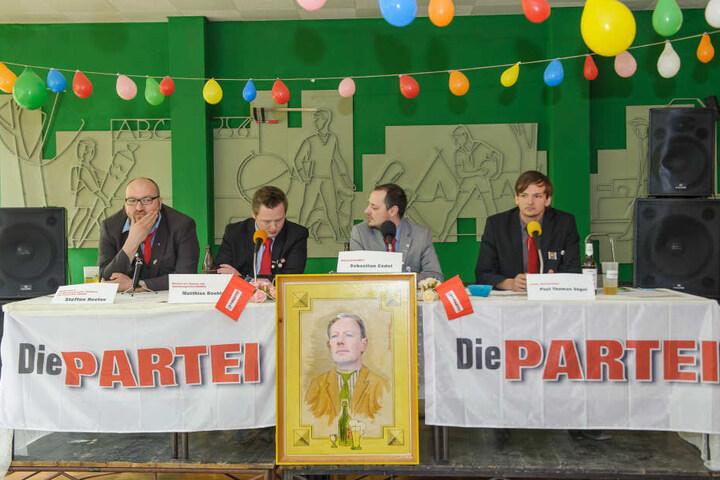 """Der Vorstand von """"Die Partei"""" stellte sein Wahlprogramm vor."""