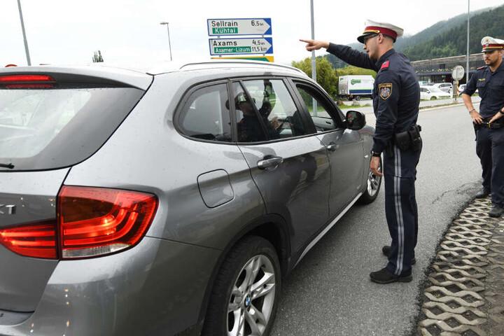 Bereits am Samstag hatten die zuständigen Beamten zahlreiche Autofahrer zurückgewiesen.