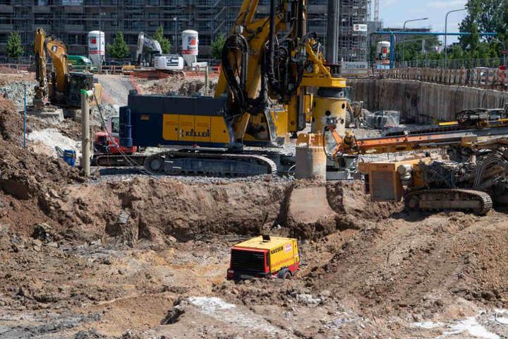 Die Weltkriegsbombe war bei Bauarbeiten in Frankfurt-Ostend gefunden worden .