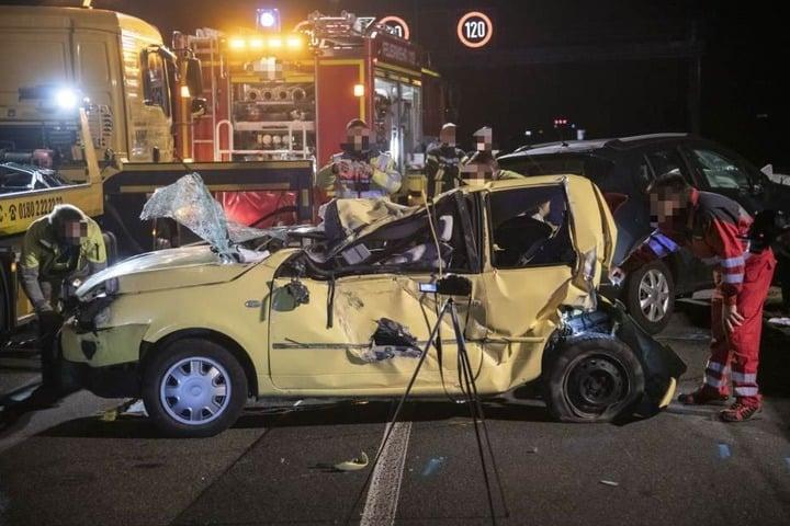 Ein fünf Jahre alter Junge überlebte den Crash bei Bad Nauheim nicht.