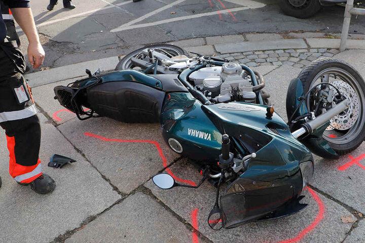 Der Fahrer der Yamaha wurde bei dem Unfall leicht verletzt.
