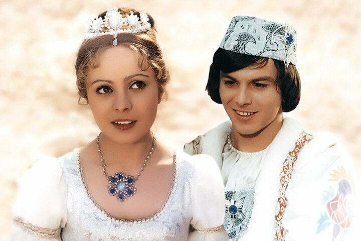 """Millionen lieben den Märchenfilm """"Drei Haselnüsse für Aschenbrödel"""". Die Winterschau auf Schloss Moritzburg ist dem Klassiker gewidmet."""
