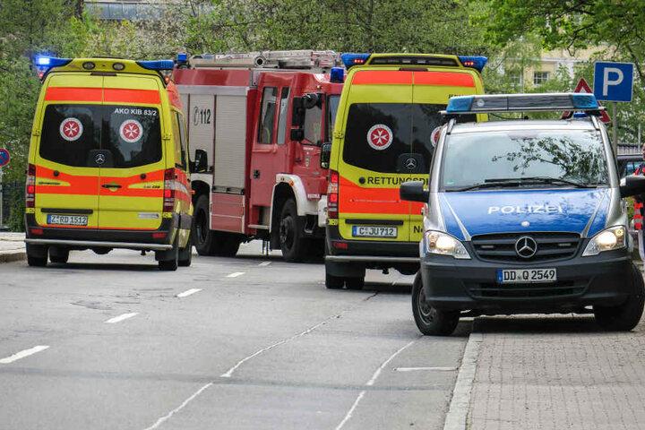 Die beiden Fahrer kamen mit den Rettungswagen ins Krankenhaus.
