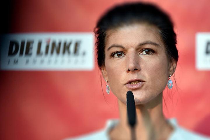 Sarah Wagenknecht hat großen Grund zur Freude: Sie wurde erneut zur Fraktionschefin der Partei Die Linke gewählt.
