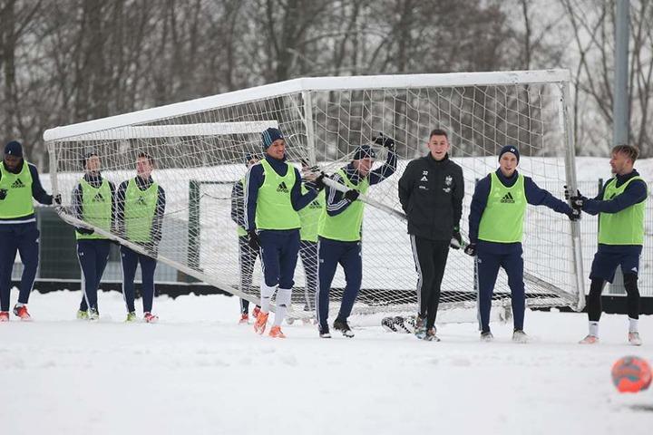 Am Montag haben die CFC-Kicker wieder mit dem Training begonnen.