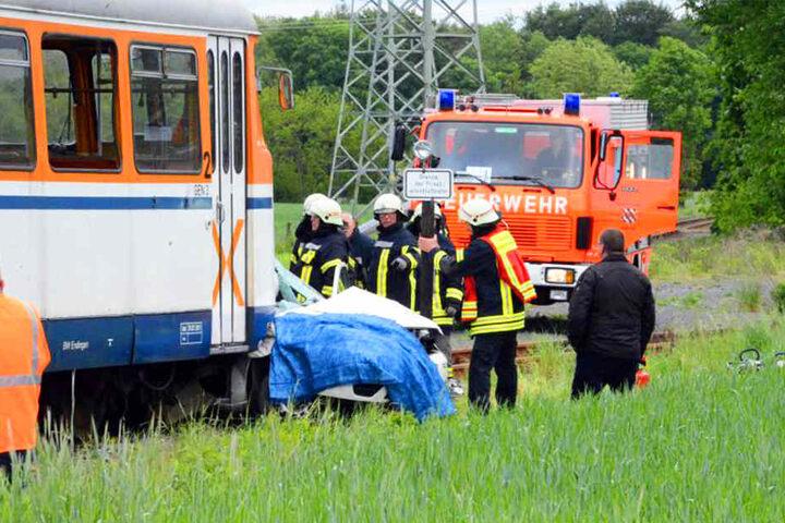 Bei dem Zug-Unglück kamen zwei Menschen ums Leben.