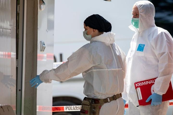 Die Ermittler fanden mehrere Datenträger bei dem neuen Verdächtigen.