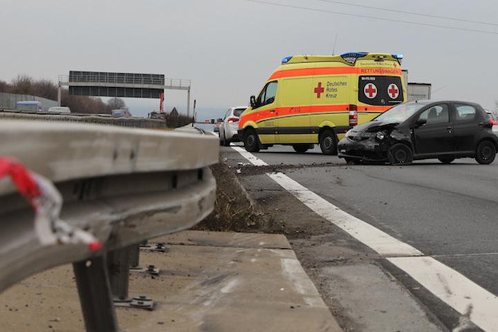 Die linke und mittlere Spur der Autobahn 4 mussten gesperrt werden.