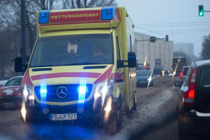 Feuerwehr und Rettungskräfte sind in Sachsen in erhöhter Alarmbereitschaft.