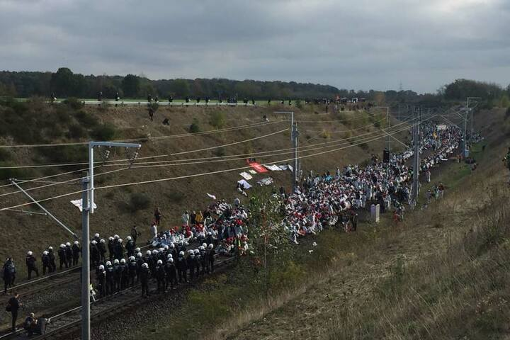 Auch die Braunkohlebahn wurde besetzt.