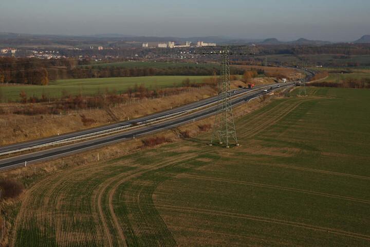Am Autobahnzubringer zur A17 soll auf einer Fläche von 196 Fußballfeldern ein Industrie- und Gewerbegebiet entstehen.