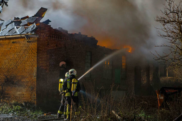 Das Feuer hatte sich schon ausgebreitet und den Dachstuhl zerstört.