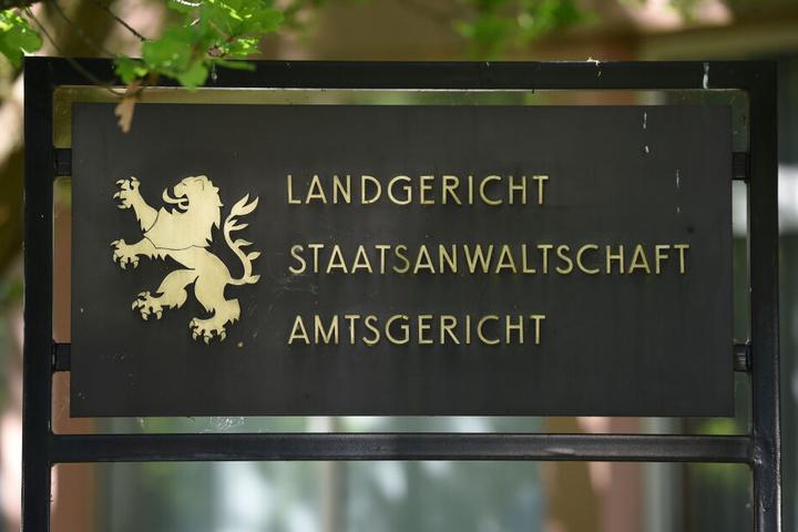 Der Prozess findet am Landgericht in Marburg statt.