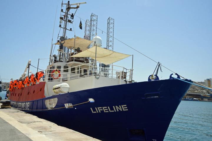 """Das deutsche Seenotrettungsschiff """"Lifeline"""" liegt im Hafen von Malta"""