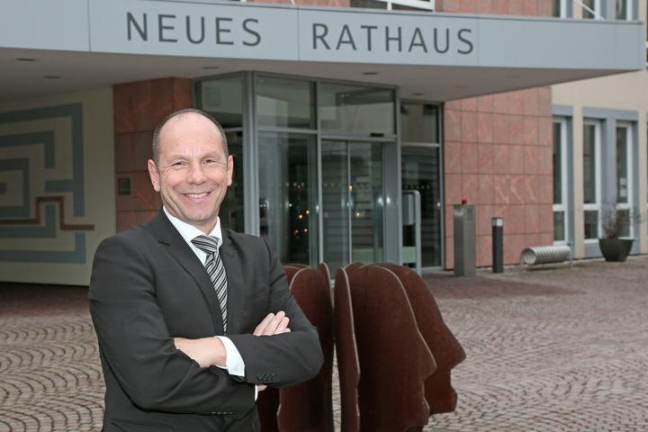 Meeranes Oberbürgermeister Lothar Ungerer (58) spielt den  Geheimniskrämer.