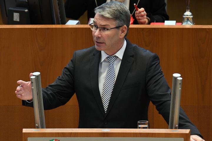 Landtagsabgeordneter Christian Dahm (SPD) will die Aufnahmen im Innenausschuss thematisieren.