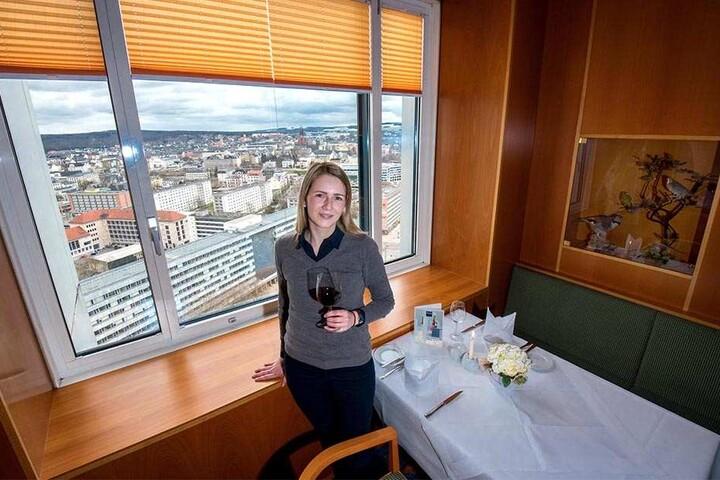 Doppelter Genuss: Zum Wein gibt's für Sales Manager Michaela Neukirchner eine grandiose Aussicht.