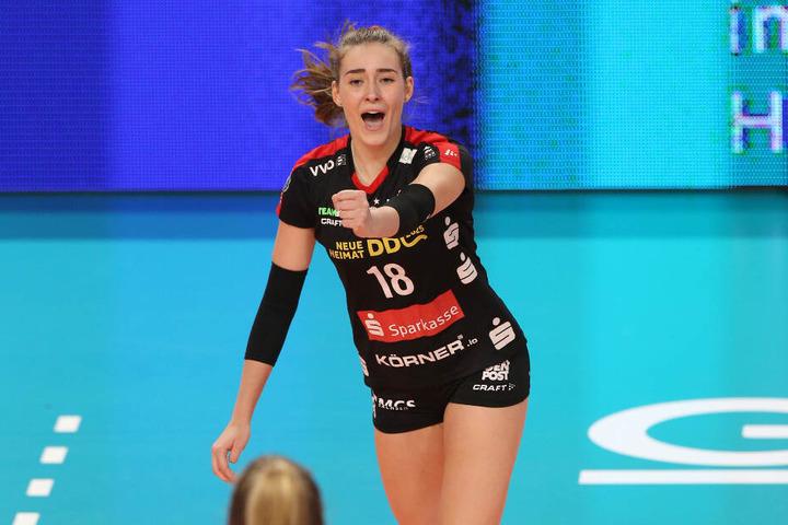 Sie durfte auch mal jubeln. Die 17-jährige Sarah Straube bei ihrer Bundesliga-Premiere in der Startformation.