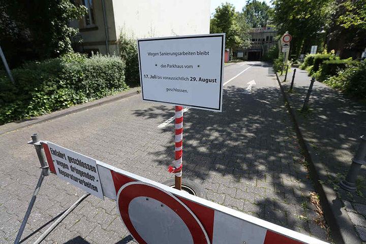 Das Parkhaus an der Kirchstraße ist sechs Wochen lang gesperrt.