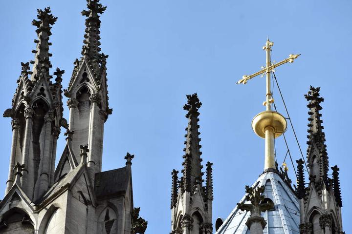 Das Erzbistum Köln informierte am Montag über den Gesamtschaden bei der Bonner Kirche.