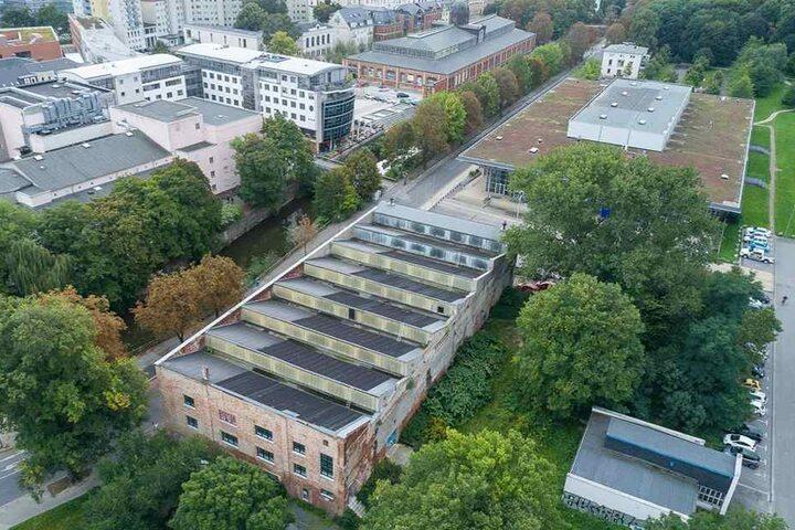 Bald soll der Umbau der einstigen Hartmannhalle am Ufer der Chemnitz starten.
