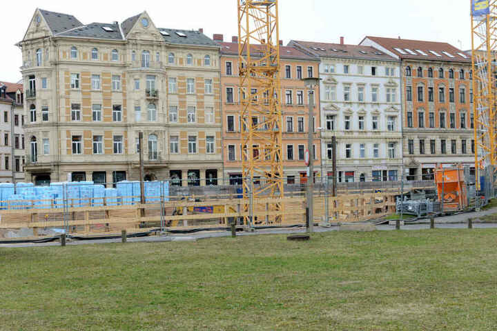Die Baugrube ist bereits ausgehoben.
