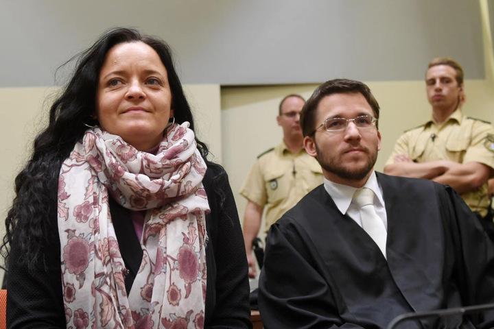 Eine lebenslange Haftstrafe wird für die Hauptangeklagte Beate Zschäpe gefordert.