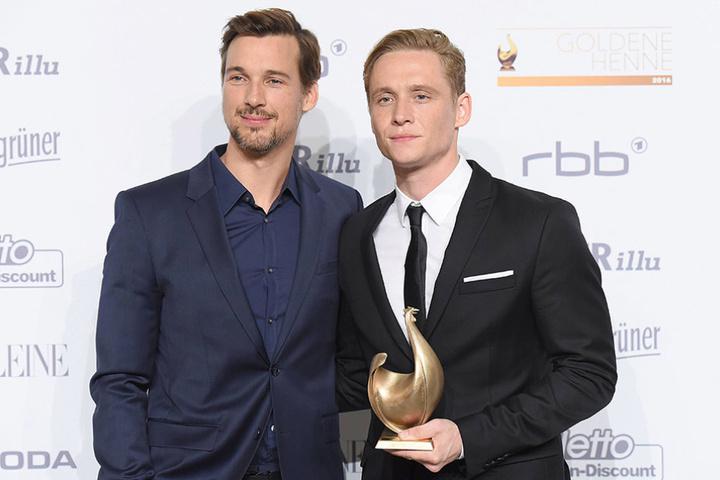 """Mit Matthias Schweighöfer (r.) heimste Florian David Fitz eine Goldene Henne für """"Der geilste Tag"""" ein."""
