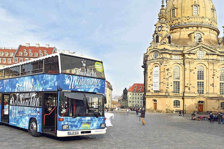 Am 28. November startet der blaue Weihnachtsbus seine Winterfahrten.