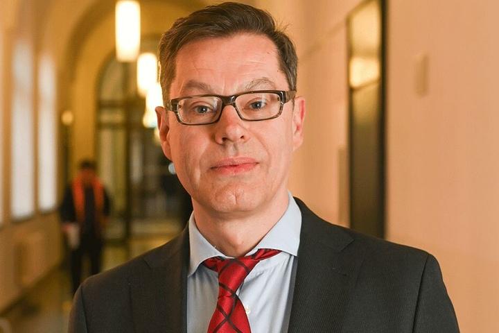 Vertritt die geschassten Planer: Anwalt Richard Althoff (55).
