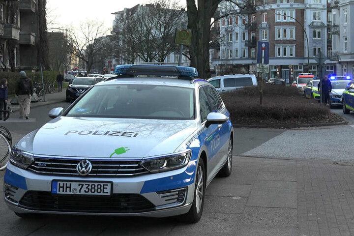 Die Polizei rückte bei dem Einsatz aus.