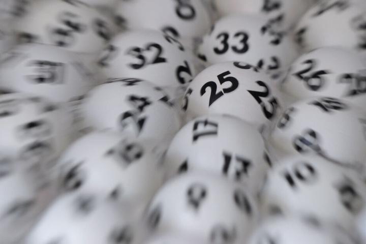 Die Gewinner können sich jeweils über 10.735.892,80 Euro freuen. (Symbolbild)