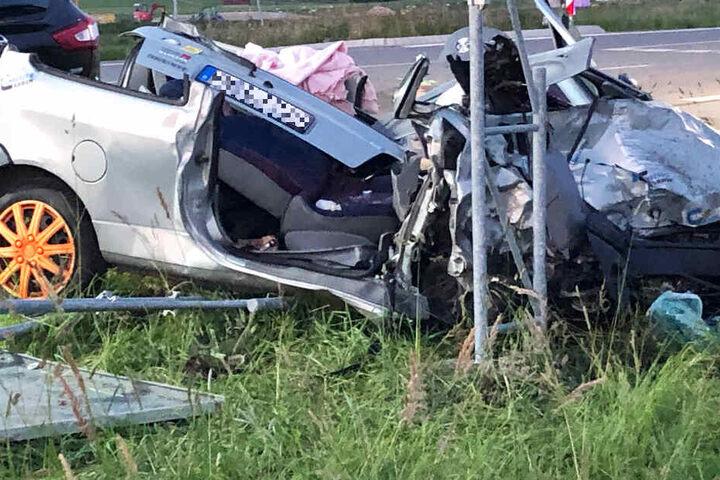 Bei einem schweren Unfall auf der Staatsstraße 2056 in Bayern wurden mehrere Menschen verletzt.