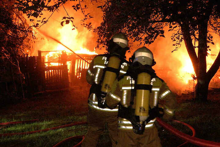 Ob es sich um Brandstiftung handelt, wird ermittelt.